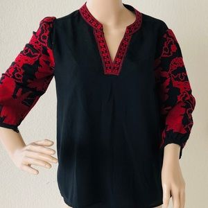 ✨Clear out New embroidered black and red top